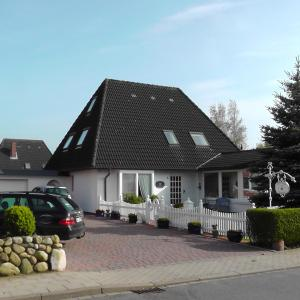 Hotel Pictures: Gästehaus Gudrun, Tönning