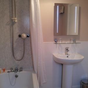 Foto Hotel: Skiddaw Grove Guest House, Keswick
