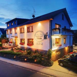 Hotel Pictures: Hotel Eifelstube, Rodder