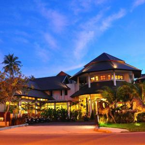 Hotel Pictures: Navatara Phuket Resort, Rawai Beach