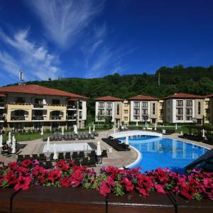 ホテル写真: Pirin Park Hotel, サンダンスキ