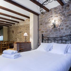 Hotel Pictures: Complejo Rural Turimaestrat, Sant Mateu