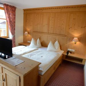 ホテル写真: Alpengasthof zur Post, Schattwald