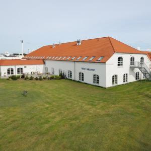 Hotel Pictures: Hotel Søparken, Åbybro