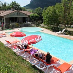 Hotel Pictures: Causses & Vallées Vacances, Saint-Georges-de-Luzençon