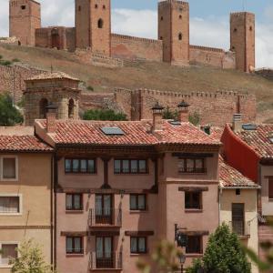 Hotel Pictures: Casa Rural Tres Palacios, Molina de Aragón
