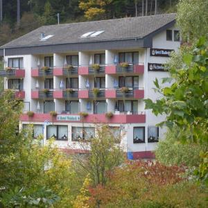 Hotelbilleder: Hotel-Restaurant Waldeck, Enzklösterle