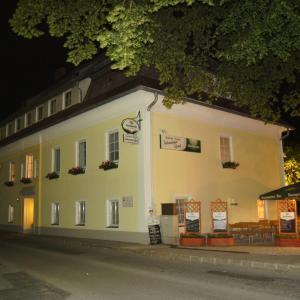 Foto Hotel: Gasthaus-Pension Schwarzer Graf, Windischgarsten