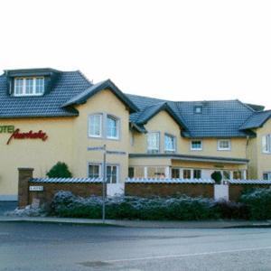 Hotel Pictures: Hotel Auerhahn, Pulheim