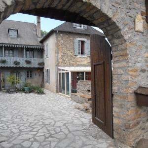 Hotel Pictures: Gîte Tuyaret, Oloron-Sainte-Marie