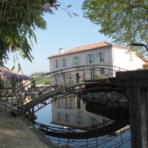 Hotel Pictures: Moulin de Narrat, Saint-Maigrin