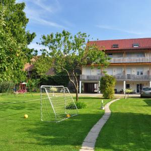 Hotel Pictures: Elzpark Apartments, Rust