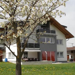 Fotos do Hotel: Ferienwohnungen Simon - Hauserhof, Oberperfuss