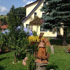 Hotel Pictures: Ferienwohnung An der Grabenwiese, Struth-Helmershof