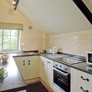 Hotel Pictures: Moxby Priory Cottage, Stillington