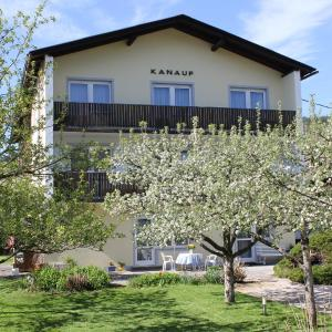 Foto Hotel: Appartements Kanauf, Krumpendorf am Wörthersee