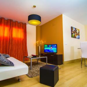 Hotel Pictures: Apartamentos 16:9 Playa Suites, Almería