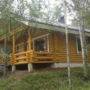 Hotel Pictures: Hoviranta Tiainen Cottage, Korvala