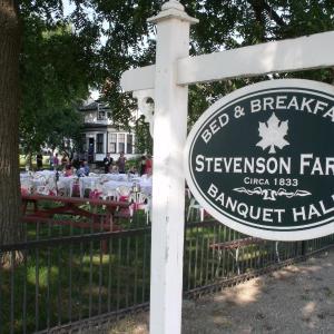 Hotel Pictures: Stevenson Farms-Harvest Spa B & B, Alliston