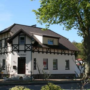 Hotel Pictures: Zum Schlossgarten, Ralswiek