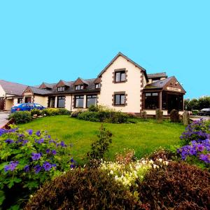Hotel Pictures: Doune Braes Hotel, Breasclete