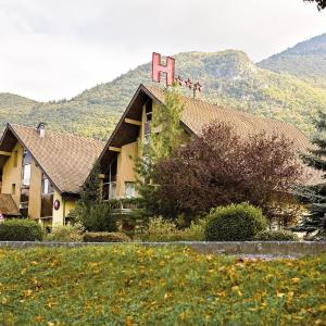 Hotel Pictures: Le Flamboyant, Annecy