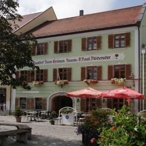 Hotelbilleder: Hotel zum grünen Baum, Plattling