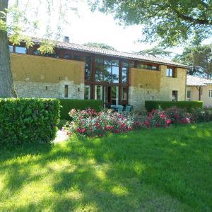 Hotel Pictures: Jardin d'En Naoua, Maubec