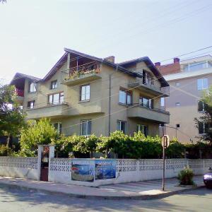 Foto Hotel: Guest House in Primorsko, Primorsko