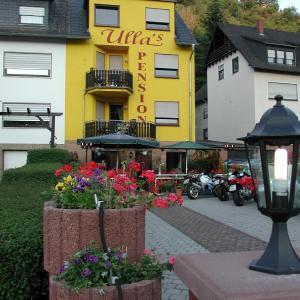 Hotel Pictures: Ullas-Ferienwohnung, Niederfell