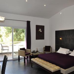 Hotel Pictures: Private Hôtel, Porto-Vecchio