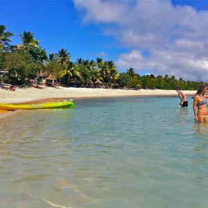 Hotel Pictures: Blue Lagoon Beach Resort, Nacula Island