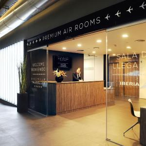 Hotel Pictures: Air Rooms Madrid Airport By Premium Traveller, Madrid