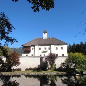 Fotografie hotelů: Ferienwohnung Schloss Dornbach, Gmünd in Kärnten