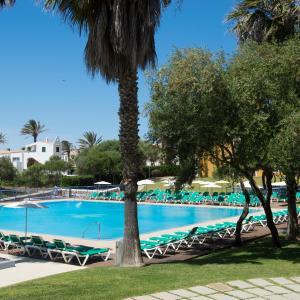 Hotel Pictures: Vacances Menorca Resort, Sa Caleta