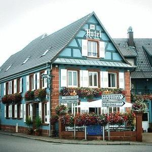 Hotel Pictures: Logis Hotel Aux Comtes De Hanau, Ingwiller