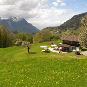 Hotel Pictures: Chalet Aisha, Corbeyrier