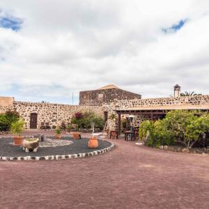 Hotel Pictures: Hotel Rural Restaurante Mahoh, Villaverde