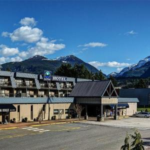Hotel Pictures: Sea to Sky Hotel and Conference Centre, Squamish