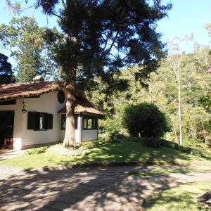 Hotel Pictures: Pousada Canto do Bosque, Itaipava