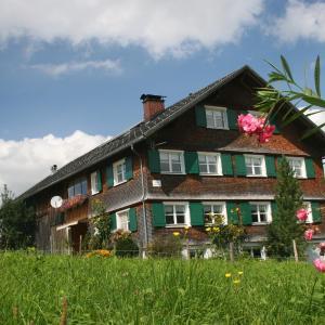 Hotelbilleder: Appartement Rüscher, Andelsbuch