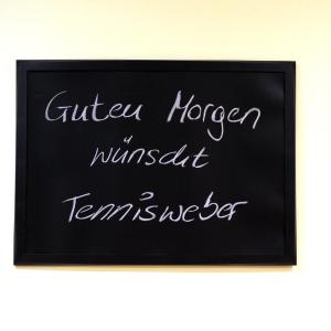 Hotellikuvia: Pension Tennisweber, Schwechat