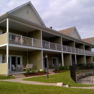 Hotel Pictures: Condo Le Champlain - 105, Bromont