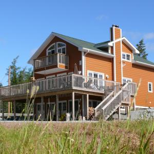 Hotel Pictures: Fiddlerslake B&B and Apartment, Gabarus
