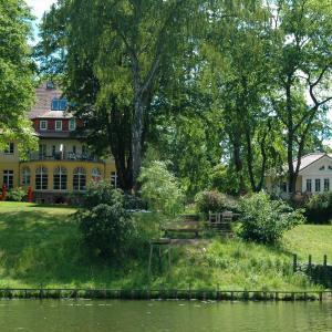 Hotel Pictures: Landhaus Himmelpfort am See, Fürstenberg-Havel