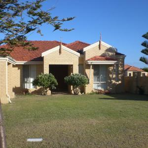 酒店图片: Port Bouvard Holiday Home Mandurah, Wannanup