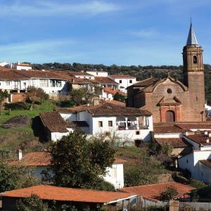 Hotel Pictures: Casa con encanto en Valdelarco, Valdelarco