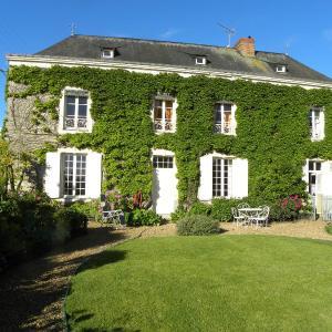 Hotel Pictures: Le logis du Ray, Saint-Denis-d'Anjou