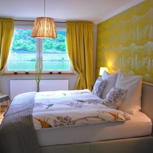 Hotel Pictures: Landhaus Moselschön, Alken