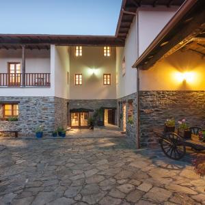 Hotel Pictures: Palacio Rosa Mar, Palacio de Naviego